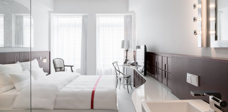 photo gallery ruby coco hotel bar. Black Bedroom Furniture Sets. Home Design Ideas